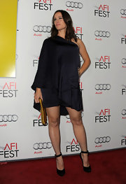 Jen Garner rocked a baby bump at the 'Butter' screening at the AFI festival. She topped off her look with black pumps complete with ankle strap detailing.