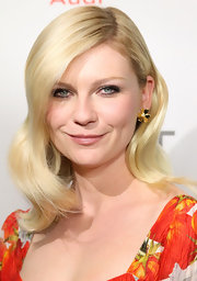 Kirsten Dunst wore subtly smoky eye makeup at a screening of 'Melancholia.'