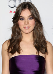Hailee Steinfeld added edge to her look via a smoky eye that matched the color of her dress.