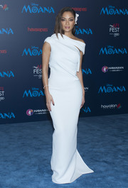 Nicole Scherzinger looked downright divine in a white off-one-shoulder gown by Maticevski at the premiere of 'Moana.'