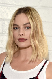 Margot Robbie framed her beautiful face with a subtly wavy 'do for the AFI FEST Indie Contenders Roundtable.
