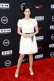 A pretty white lace frock kept Sarah Silverman looking sweet and pretty on the red carpet.