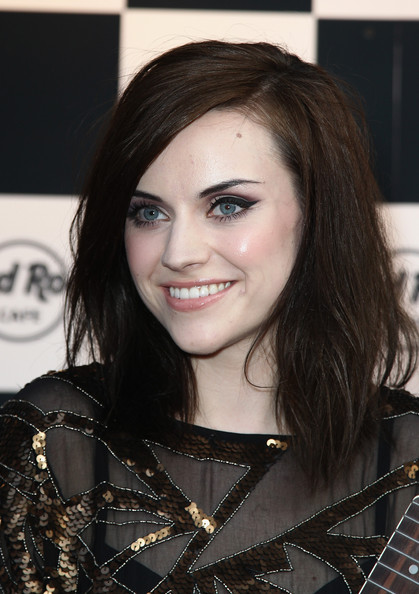 AMY MACDONALD Beauty