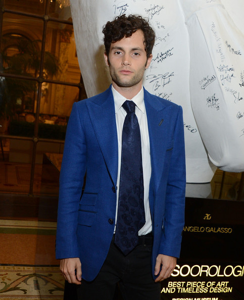More Pics of Penn Badgley Messy Cut (1 of 8) - Messy Cut Lookbook - StyleBistro