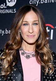 Sarah Jessica Parker wore a cascade of pretty waves when she attended the 'city.ballet' premiere.