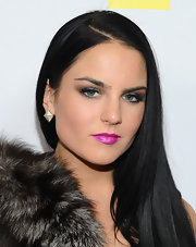 JoJo wore an extreme shade of iridescent fuchsia lipstick at APL.De.Ap's birthday celebration.