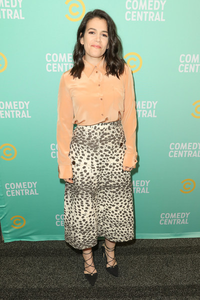 Abbi Jacobson Button Down Shirt [clothing,dress,shoulder,yellow,hairstyle,fashion,premiere,footwear,joint,cocktail dress,abbi jacobson,press,los angeles,viacom building,california,comedy central press]