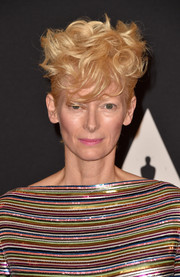 Tilda Swinton looked quite the queen of coolness with this messy hairstyle at the Governors Awards.