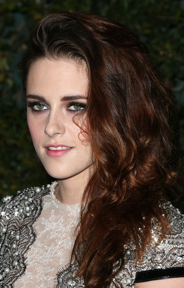 More Pics of Kristen Stewart Smoky Eyes (4 of 14) - Makeup Lookbook - StyleBistro [hair,face,hairstyle,eyebrow,beauty,brown hair,lip,long hair,chin,black hair,kristen stewart,hollywood,california,highland,academy of motion picture arts and sciences,4th annual governors awards]