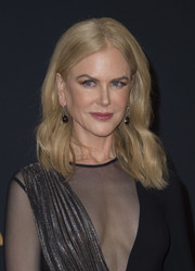 Nicole Kidman looked beautiful with her face-framing waves at the Governors Awards.