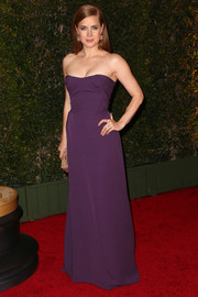 Amy Adams went for simple elegance in a purple strapless gown by Vivienne Westwood when she attended the Governors Awards.