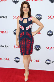 Bellamy Young had fun with her red carpet look when she sported this blue and red abstract-print dress.