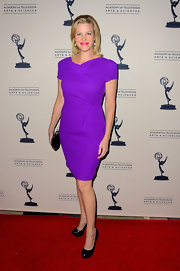 Anna Gunn was positively ultraviolet in this streamlined dress. A perfect day to evening piece.