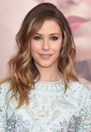 Amanda Crew wore her hair teased at the crown and wavy down the ends during the 'Age of Adaline' New York premiere.