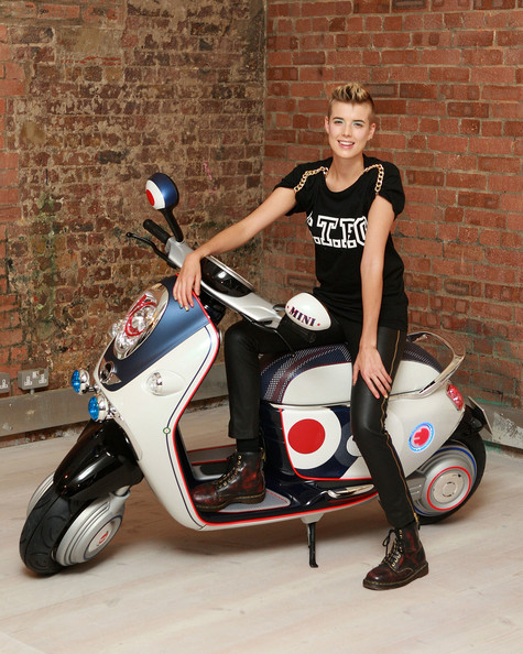 More Pics of Agyness Deyn Fauxhawk (1 of 13) - Agyness Deyn Lookbook - StyleBistro