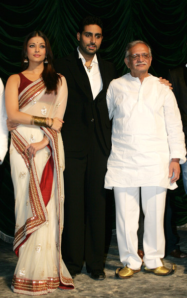 Husband-wife actor duo Abhishek Bachchan and Aishwarya Rai with ...