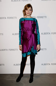 Attending an Alberta Ferretti dinner in Florence, Sarah stood out in a vibrant jewel-toned silk dress.