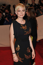 Michelle Williams wore a 19th Century gold link  bracelet to the 2011 Met Gala.