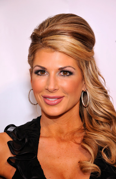 Alexis Bellino Sterling Hoops