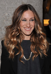 Sarah Jessica Parker attended the launch of Ali Wentworth's new book wearing her hair in long shiny curls.