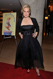 Ali Wentworth wore a sweet strapless black dress to her book launch in NYC.