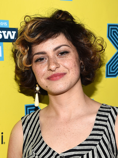 Alia Shawkat Curled Out Bob [the final girls,hair,face,hairstyle,eyebrow,chin,forehead,brown hair,feathered hair,layered hair,smile,alia shawkat,the paramount theater,austin,texas,sxsw music,film interactive festival,premiere]