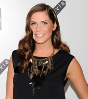 Erin wore a soft shining pink lip color for the Alice + Olivia launch party.