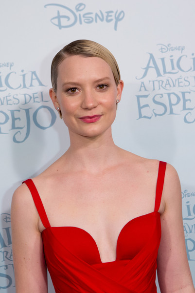 More Pics of Mia Wasikowska Short Side Part (1 of 10) - Mia Wasikowska Lookbook - StyleBistro