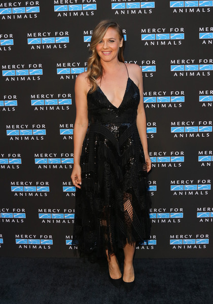 Alicia Silverstone Little Black Dress [mercy for animals presents hidden heroes gala 2018 - arrivals,clothing,dress,cocktail dress,shoulder,premiere,fashion model,fashion,little black dress,carpet,long hair,california,los angeles,vibiana,alicia silverstone]