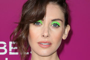 Alison Brie Bright Eyeshadow