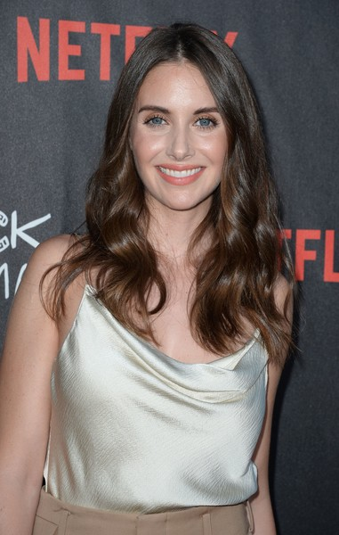 Alison Brie Long Wavy Cut