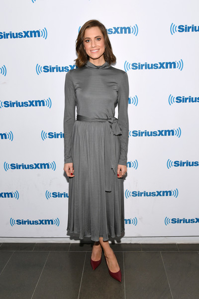 Allison Williams Midi Dress [celebrities,allison williams,clothing,dress,blue,fashion,footwear,fashion design,shoulder,formal wear,outerwear,electric blue,new york city,siriusxm,siriusxm studios]