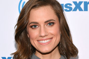 Allison Williams Short Wavy Cut
