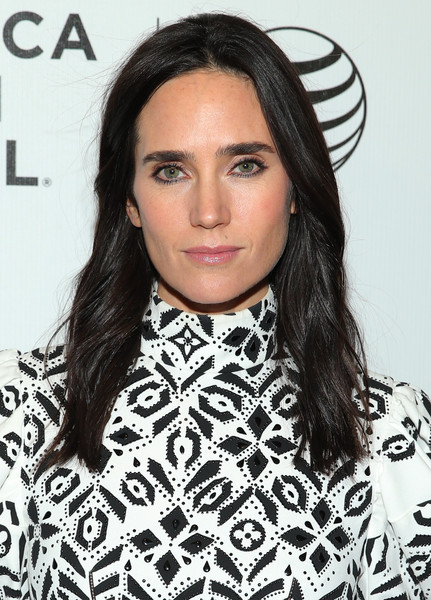 Jennifer Connelly wore her hair with a center part and just a hint of wave during the premiere of 'Aloft.'