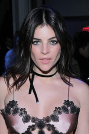 Julia Restoin-Roitfeld wore her hair in casual-chic waves when she attended the Altuzarra fashion show.