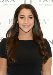 Aly Raisman kept her tresses looking totally soft and pretty with loose waves.
