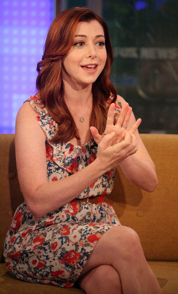 More Pics of Alyson Hannigan Long Wavy Cut (1 of 22) - Alyson Hannigan Lookbook - StyleBistro