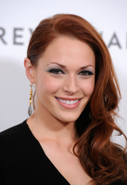 Amanda Righetti Metallic Eyeshadow