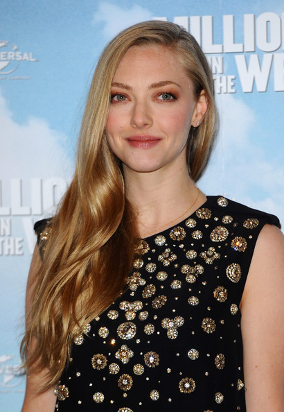 Amanda Seyfried Side Sweep [a million ways to die in the west,hair,hairstyle,blond,face,long hair,beauty,shoulder,brown hair,lip,premiere,amanda seyfried,photocall,photocall,england,london]