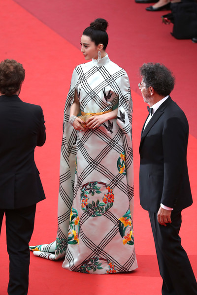 Fan Bingbing looked downright elegant in a caped, embroidered gown by Christopher Bu at the Cannes Film Festival screening of 'Amant Double.'