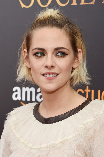 Kristen Stewart looked super edgy with her messy half-up style and dark roots at the New York premiere of 'Cafe Society.'
