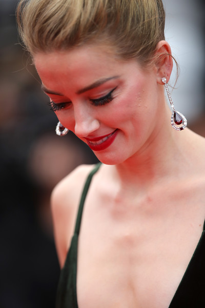 Amber Heard Dangling Gemstone Earrings [aimer et courir vite during the 71st annual cannes film festival,hair,face,lip,blond,hairstyle,skin,beauty,red,chin,eyebrow,red carpet arrivals - the 71st annual cannes film festival,sorry angel,may 10,plaire,aimer et courir vite,screening,palais des festivals,cannes,france]