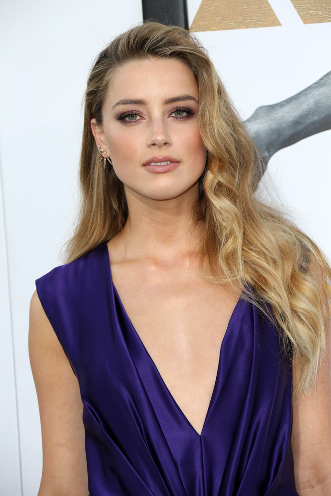 Amber Heard Long Wavy Cut Amber Heard Looks Stylebistro