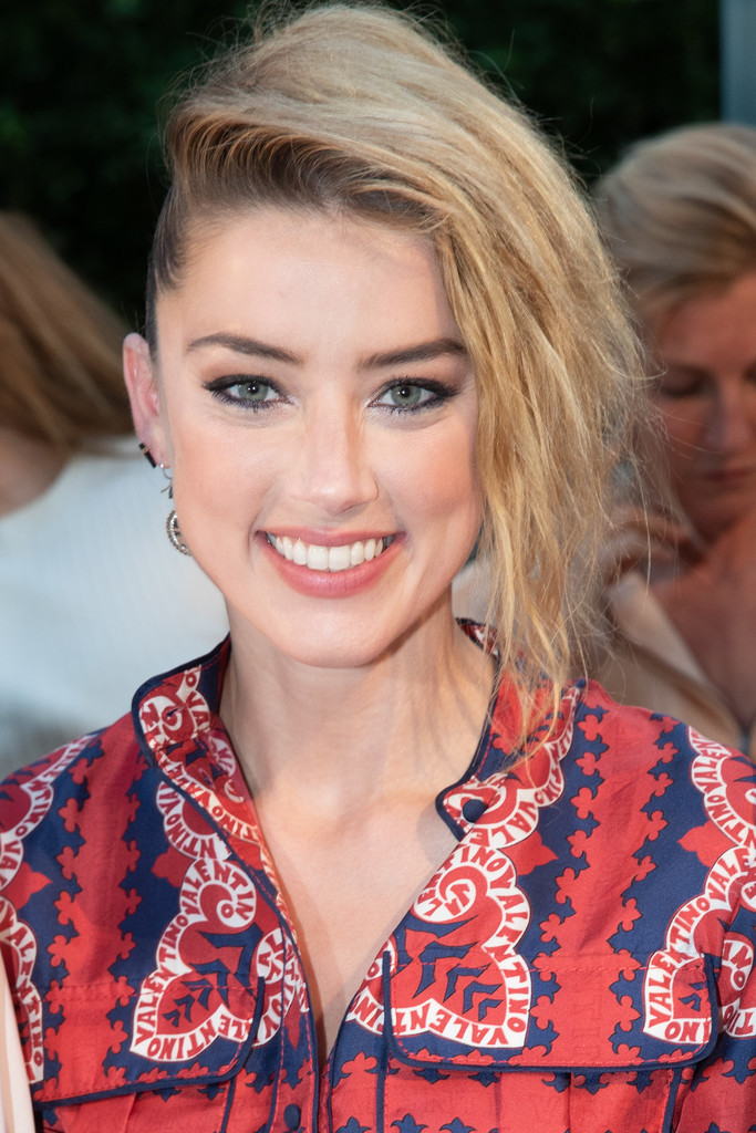 Amber Heard Messy Updo Newest Looks Stylebistro