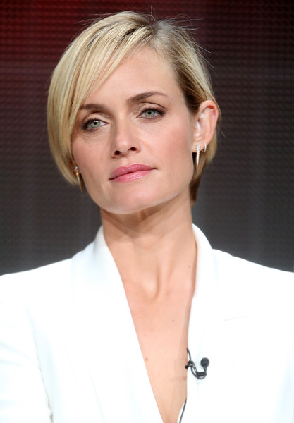 Amber Valletta Short Side Part [hair,face,blond,hairstyle,eyebrow,chin,skin,lip,beauty,forehead,amber valletta,portion,beverly hills,california,the beverly hilton hotel,abc entertainment,blood oil,summer tca,panel discussion,summer tca tour]
