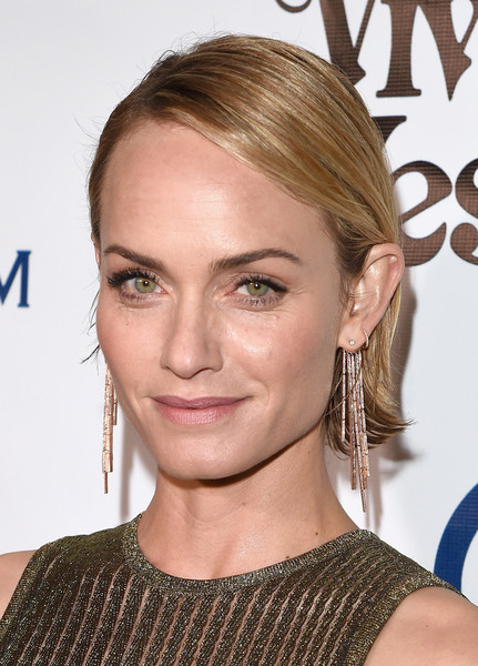 Amber Valletta Side Parted Straight Cut
