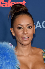Melanie Brown attended the 'America's Got Talent' season 11 live show sporting a funky top knot.