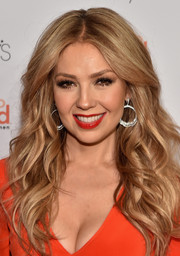 Thalia was gorgeously coiffed with voluminous, piecey waves during the American Heart Association Go Red for Women event.