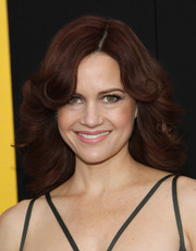 Carla Gugino took us back to the '70s with this feathered flip she wore to the 'American Hustle' premiere in NYC.