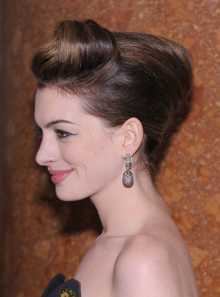 More Pics of Anne Hathaway French Twist (1 of 18) - Anne Hathaway Lookbook - StyleBistro